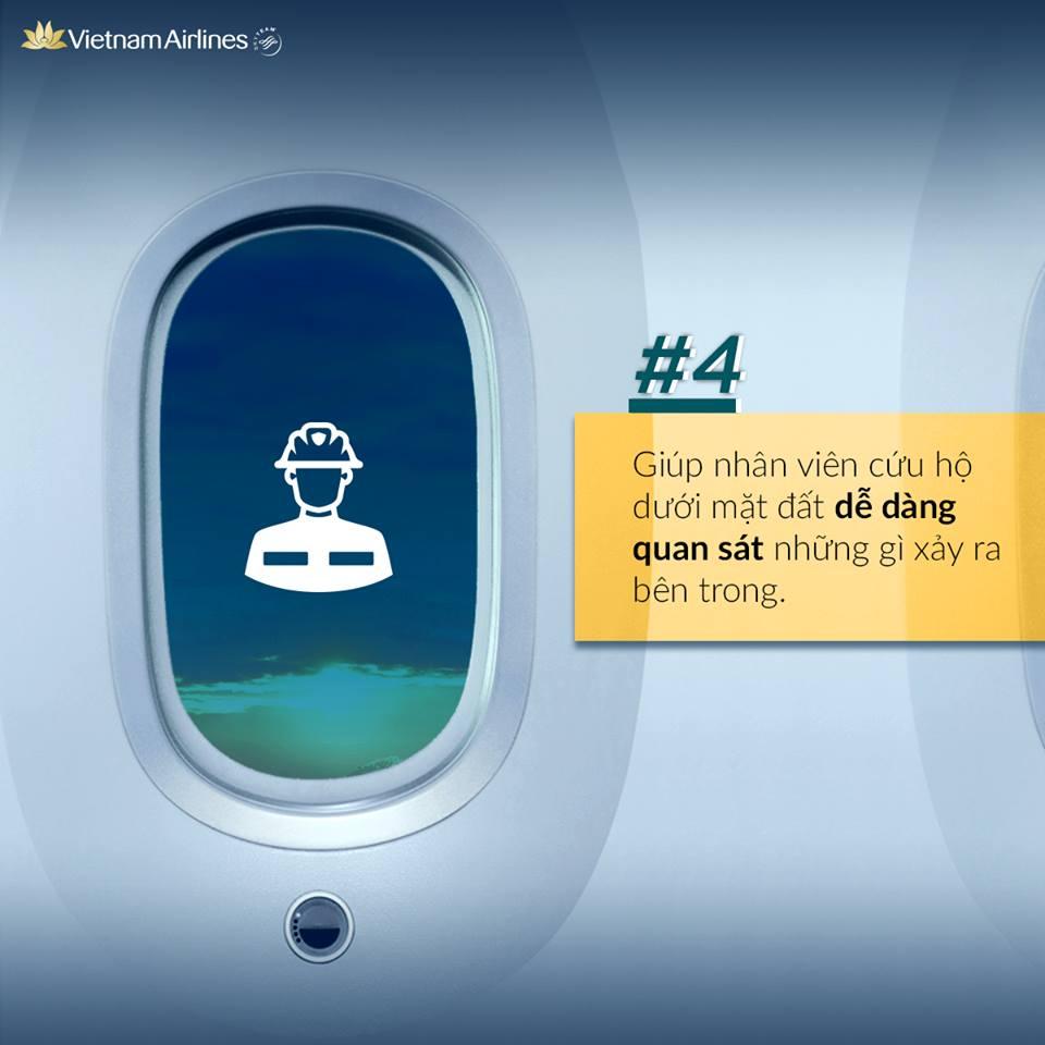 Tại sao tiếp viên hàng không yêu cầu mở cửa sổ khi cất hạ cánh